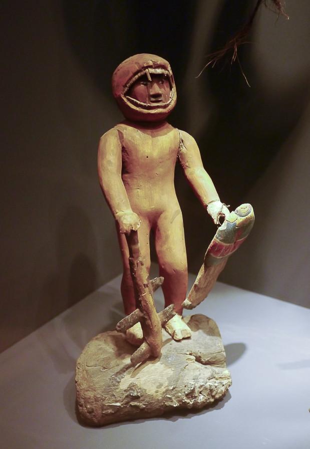 Ein Astronaut? Das Tropenmuseum bietet eine Vielzahl kleiner Figuren von prähistorisch bis heute.