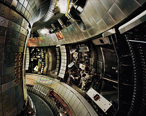 Thomas Struth, Tokamak Asdex Upgrade Interior 2, Max Planck IPP, Garching 2009, 135,1 x 170 cm