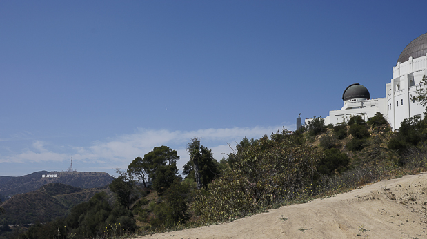 Von den berühmten Buchstaben bis zum Observatorium kommt einem die Lnadschaft spanisch vor.
