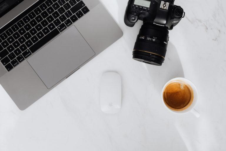 Macbook und Kamera